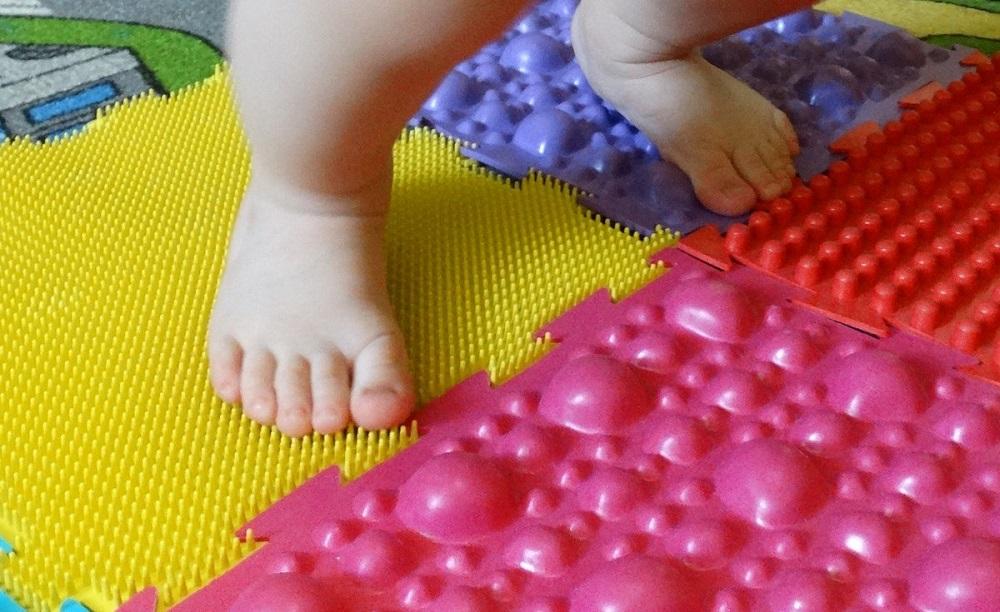 Выбираем массажные коврики для детей и взрослых