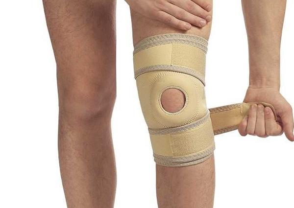 неопреновый эластичный ортез на коленный сустав