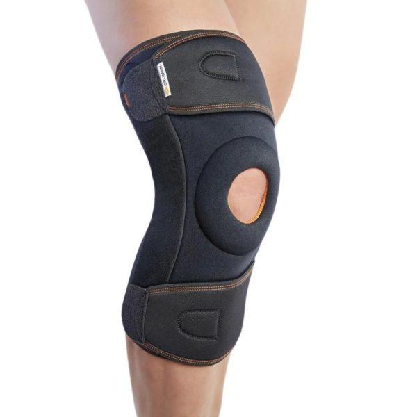 Окутывающий коленный ортез с полицентрическими ребрами жесткости