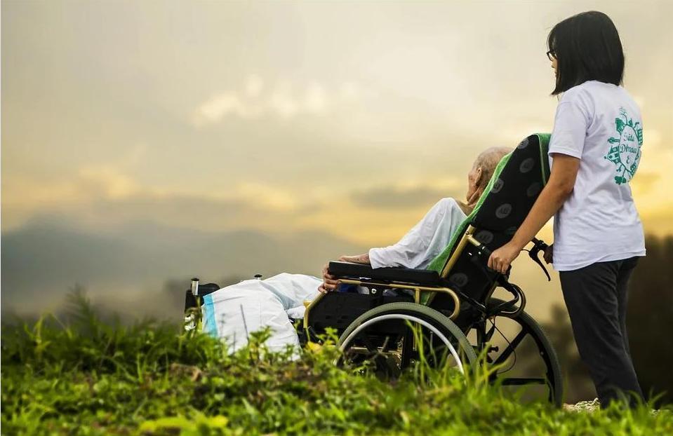 Особенности инвалидных колясок